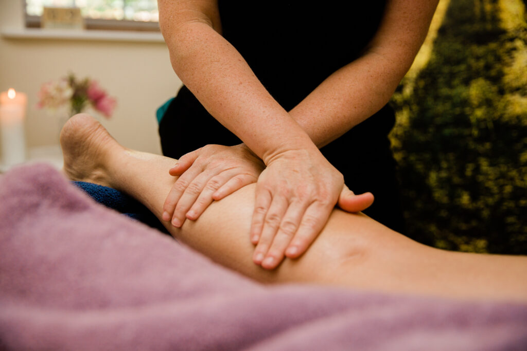 This image has an empty alt attribute; its file name is Anna-Massage-Images-8-1024x683.jpg